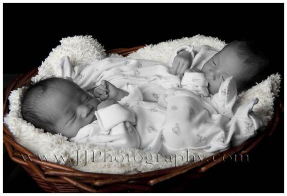 Twins1-e1431848689795.jpg
